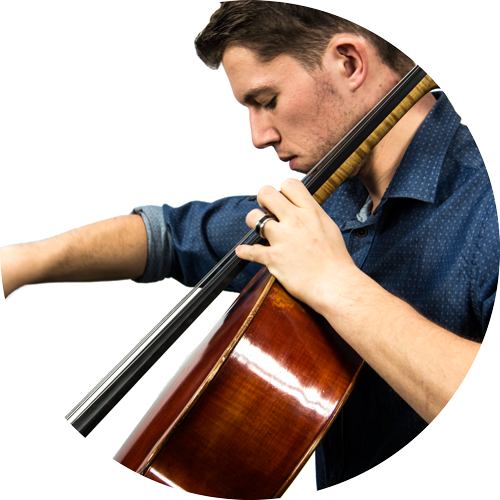 Musik-Virtuose Philipp der Band Lay-Out am Cello